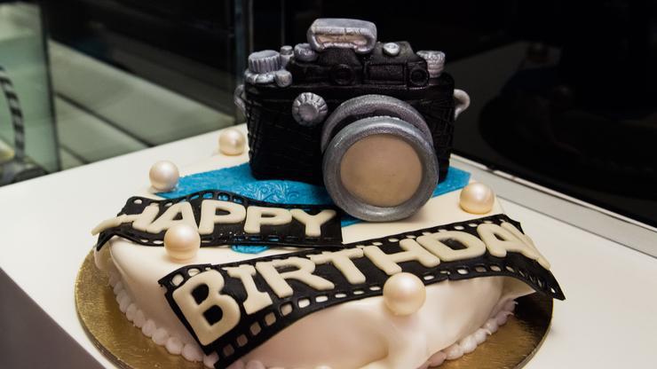 Marvelous Toddler Receives Accidental Happy Birthday Loser Cake From Funny Birthday Cards Online Hetedamsfinfo